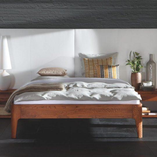 Lit en bois interieur